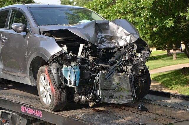 wypadek drogowy samochodowy - kolizja drogowa stłuczka potrącenie pieszego rowerzysty